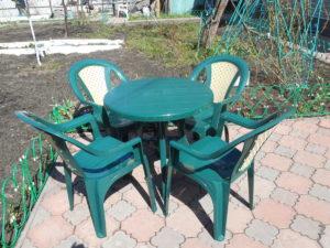 """Комплект пластиковой мебели """"Таволи"""" (Стол пластиковый круглый D 800 мм + 4 кресла)"""